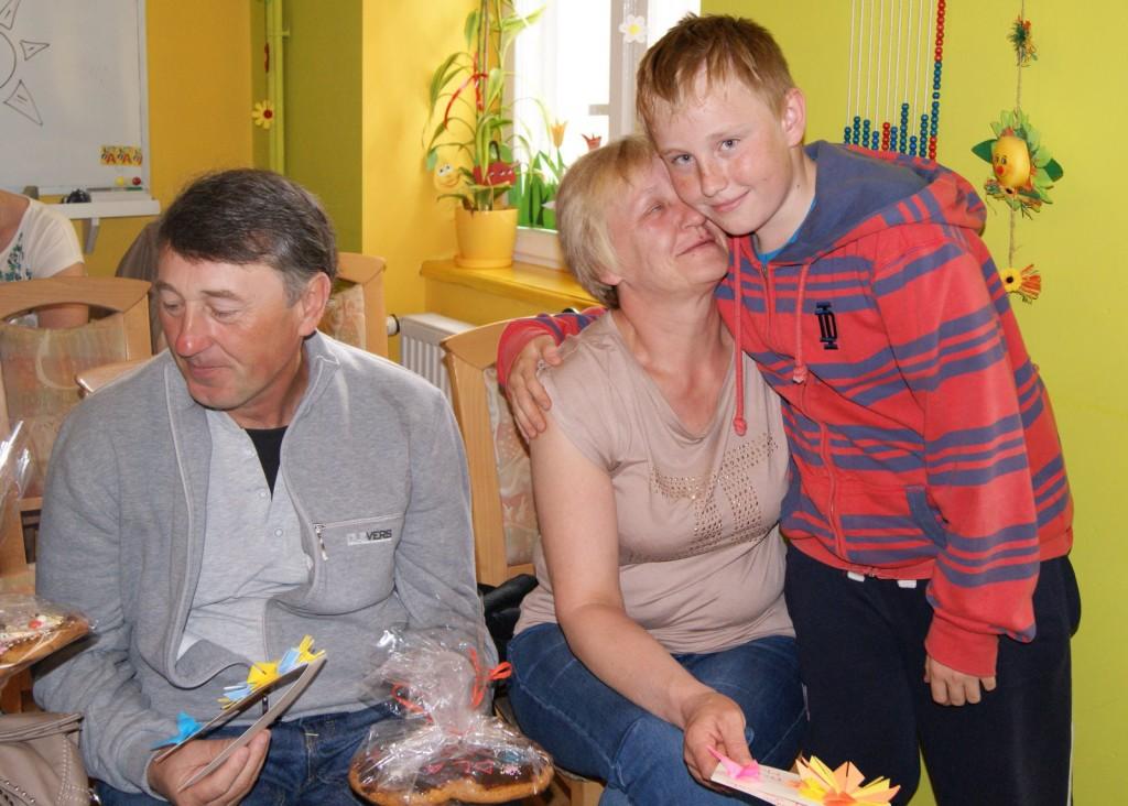 Dominik z rodzicami